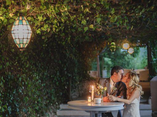 Romantica ceremonia en los jardines de Casa Colonial, Ibiza